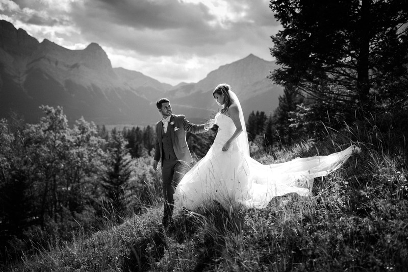 Calgary Wedding Photographers Canmore Silvertip Photos