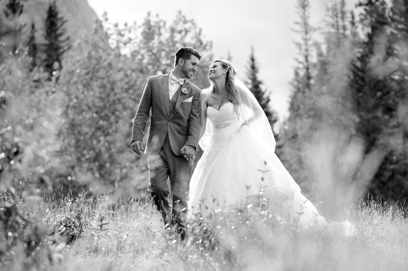 Calgary Wedding Photographers Bride + Groom Rockies