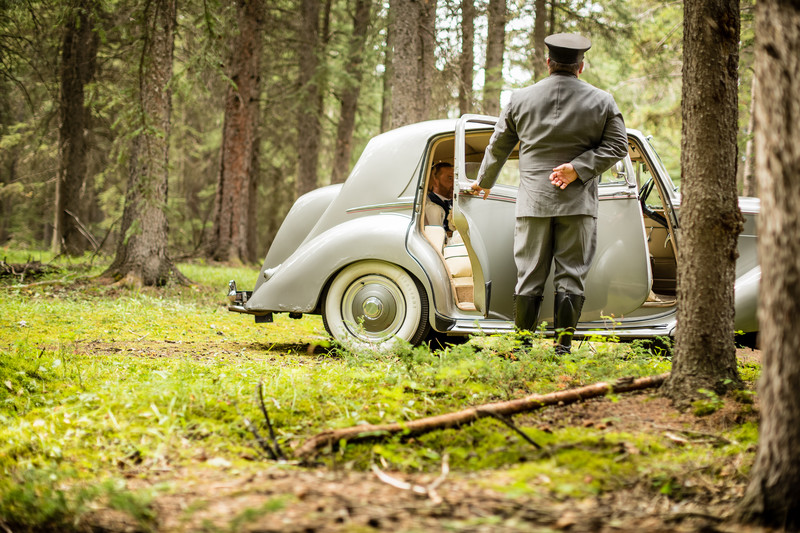 Banff National Park Bentley Bride + Groom Photos