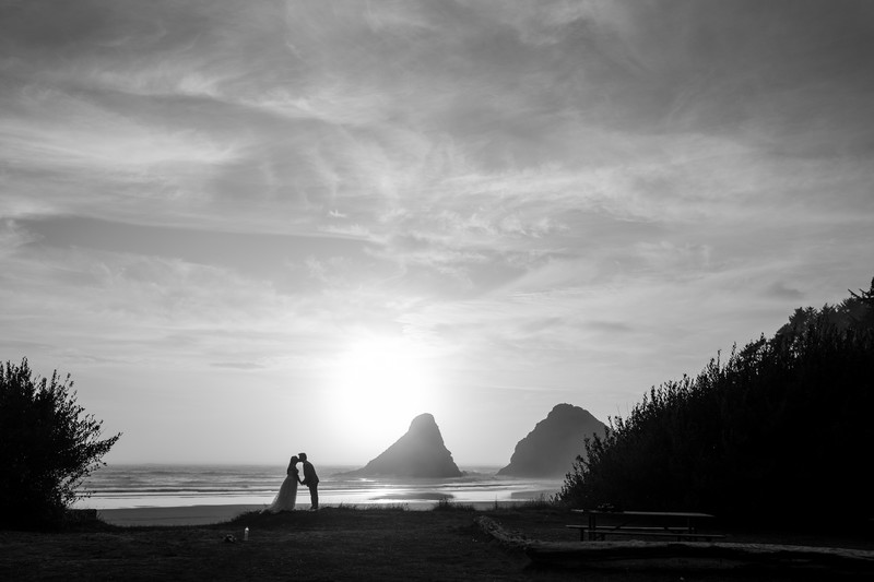 Heceta Head Beach and lighthouse Wedding Photographer