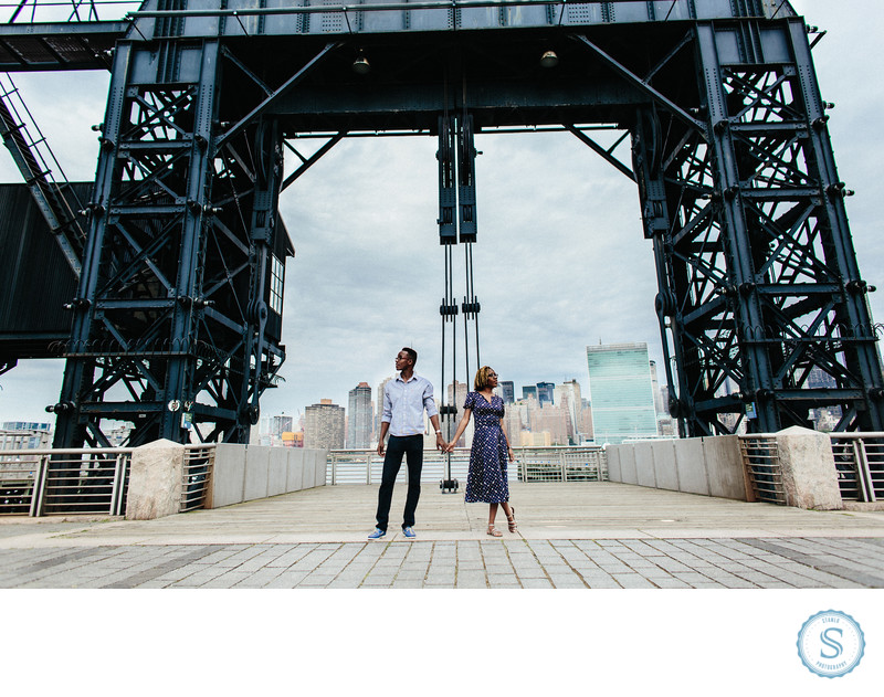 Engagement Photographer Gantry Park