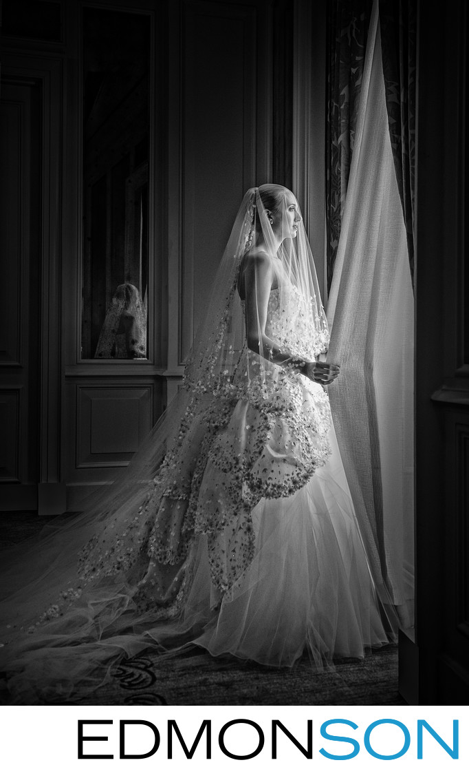 Beautiful B&W Dallas Bridal Portrait At Crescent