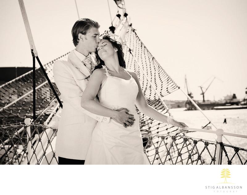 Klassiskt vackert bröllopsfoto, Barken Viking Göteborg