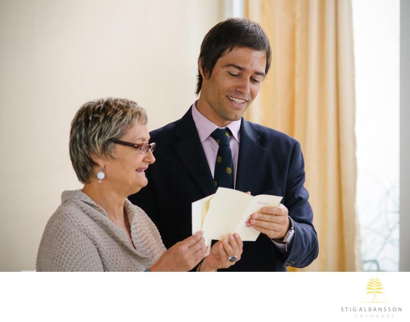 Läsning av telegram på bröllopsmiddag Hällsnäs