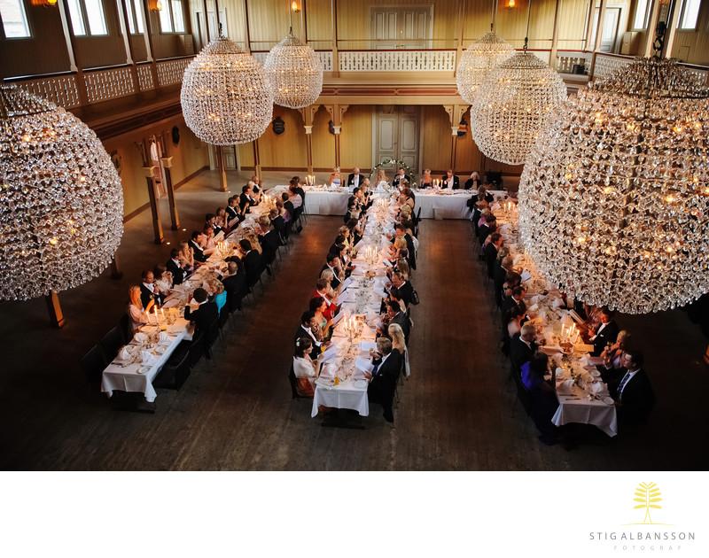 Kristallkronor och middag på Societetshuset i Marstrand