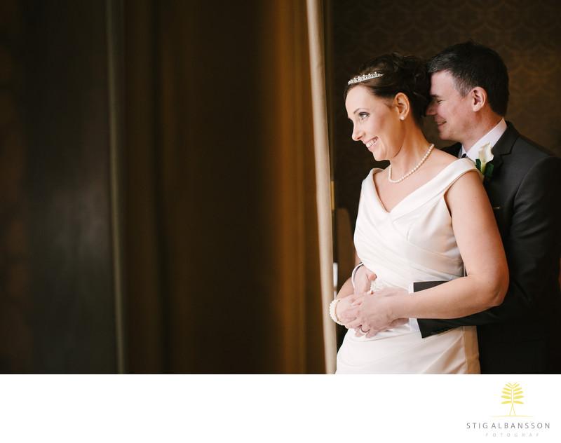 Bröllopsfoto inne på Villa Odinslund i Göteborg -Vinter
