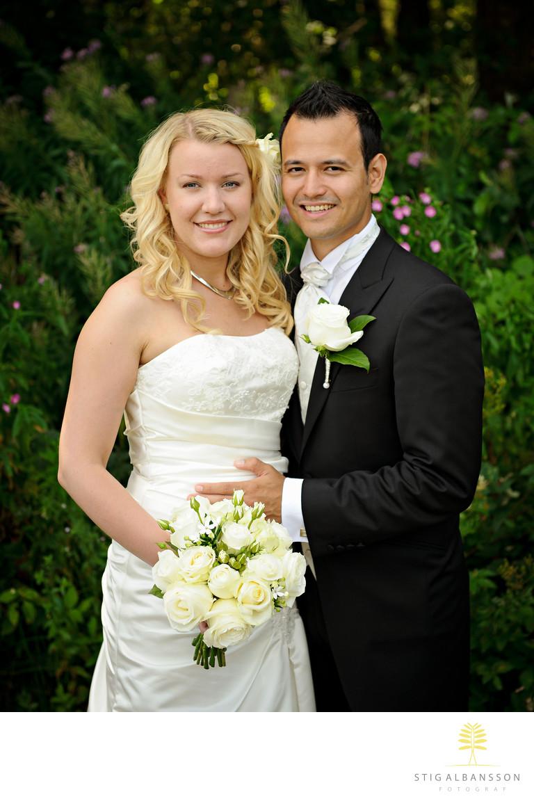 Bröllopsporträtt brudpar Stora Holms säteri