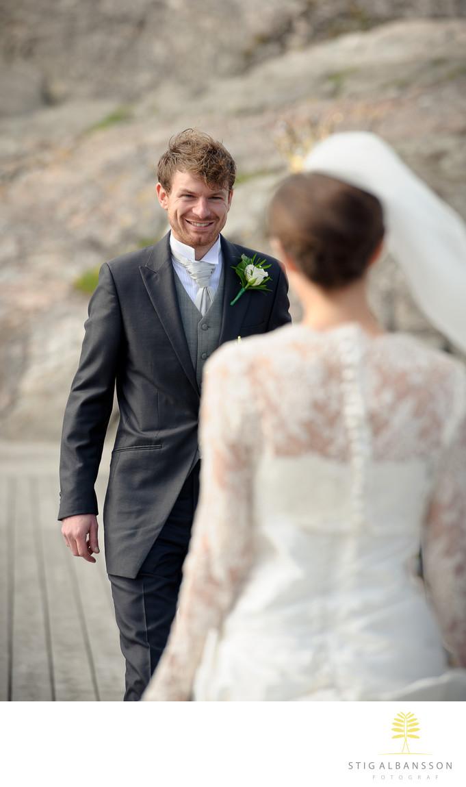 Första mötet med glad brudgum Skärhamn