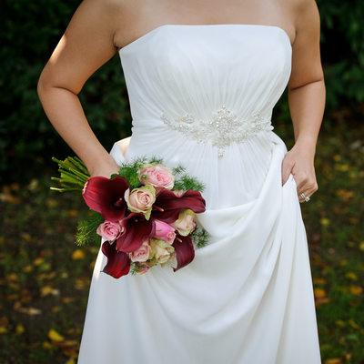 Brud, klänning, bukett - Thorskogs slott