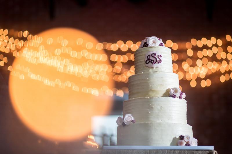 Wedding cake with Christmas lights