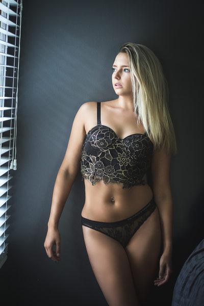 boudoir in black lingerie