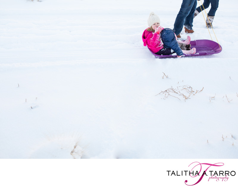 Snow play family photographer in Albuqeurque