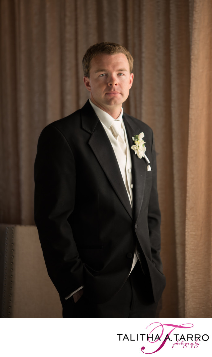 Groom at downtown banque lofts