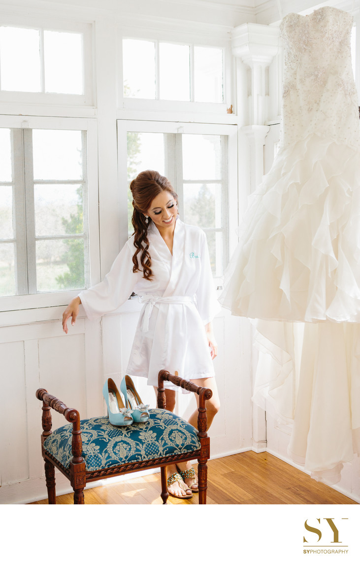 Bride Anne Barge wedding dress
