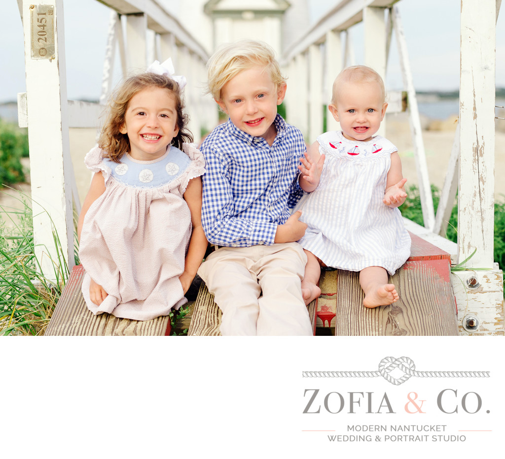 nantucket beach family portraits with siblings