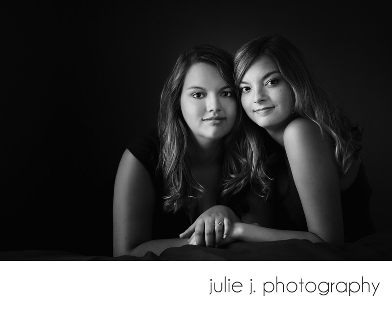 Sisters Family portrait photographer in Richmond VA