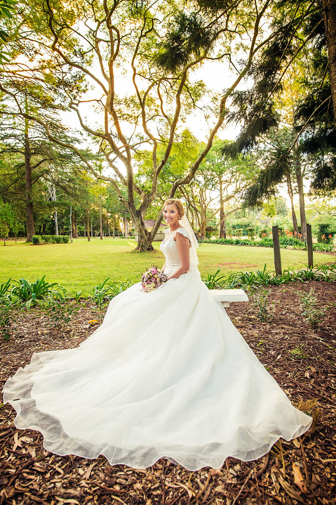 Best Gabbinbar Wedding Photographers