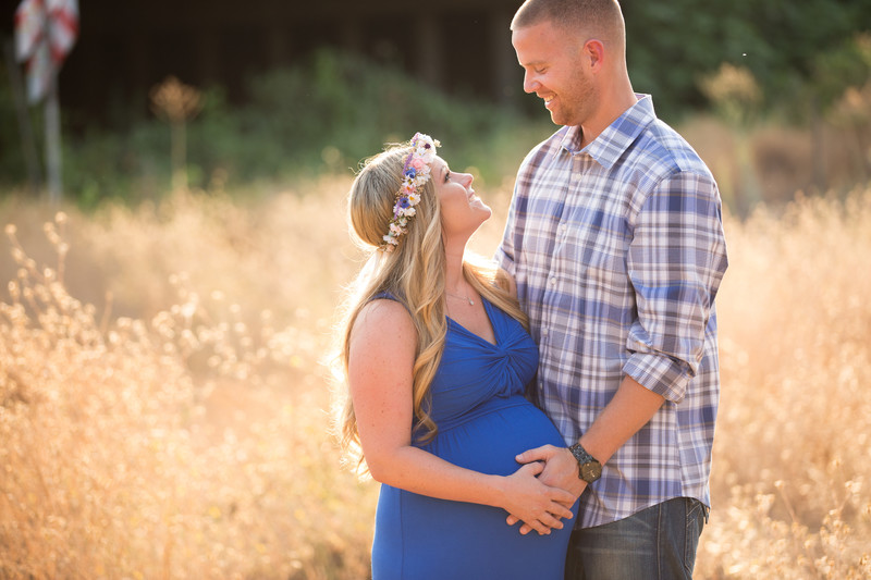 Creative Maternity couple photography