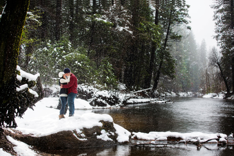 Snowing Engagement Session in Yosemite Valley