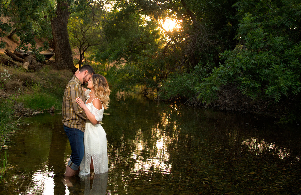 Engagement Session Brentwood California Round Valley