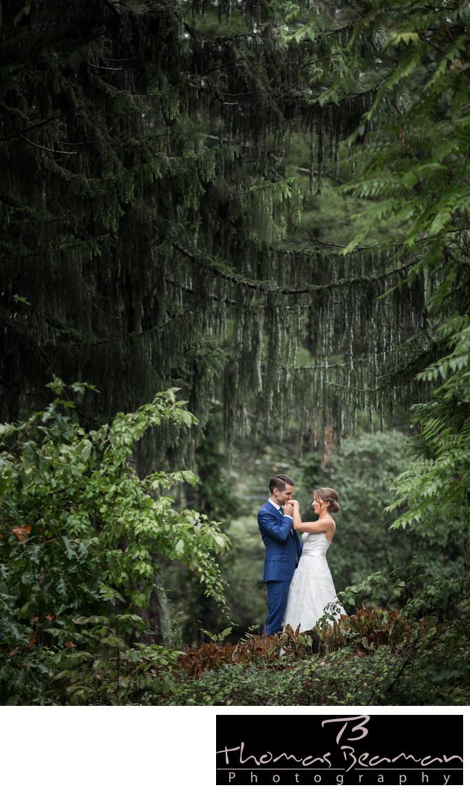 Outdoor Wedding Photos at Peter Allen House