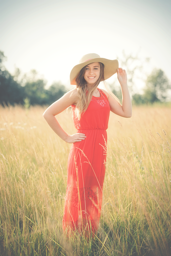 Senior Session in a Field Fort Wayne Photographer