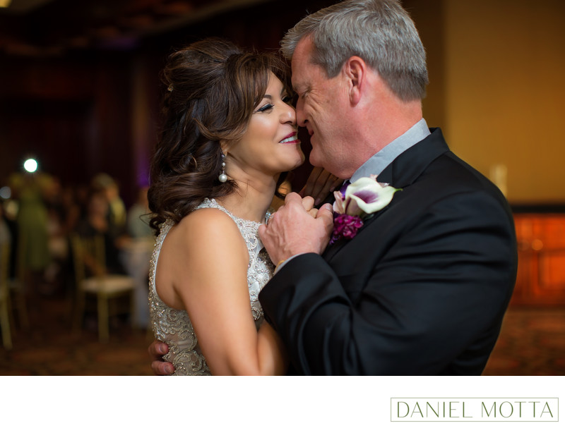 Bride and Groom at Glen Eagles Country Club in Plano