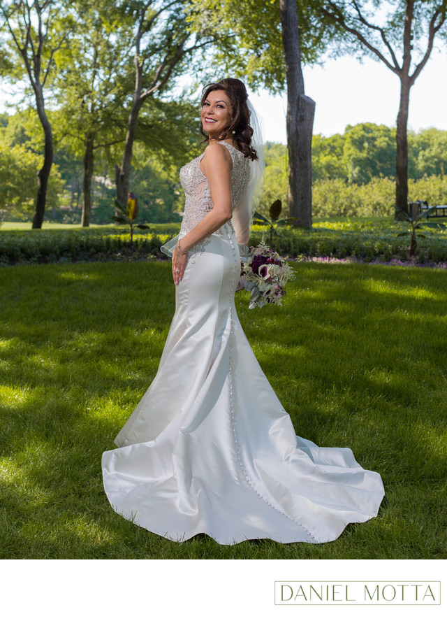 Photo of Bride at Glen Eagles Country Club in Plano