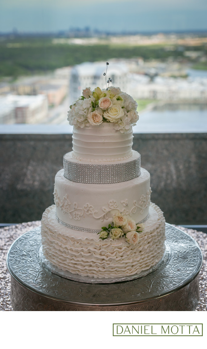 Wedding Photograph of Wedding Cake at la Cima Club