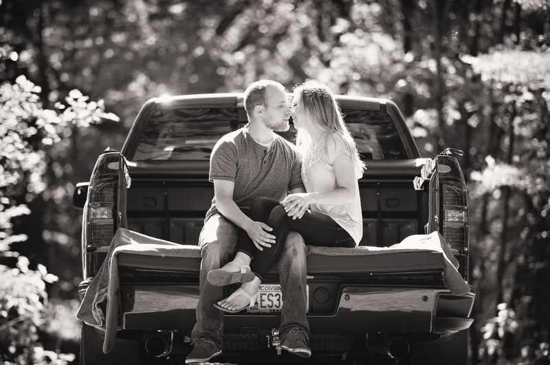 Ashley + Ryan | Wisconsin Rapids Engagement