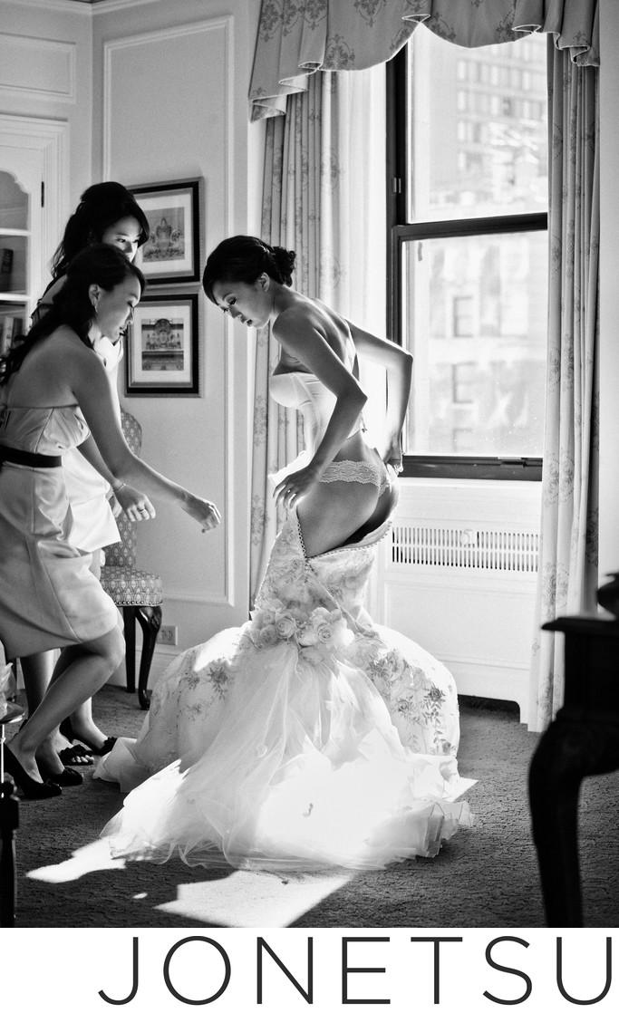 Vancouver bride dressing at Fairmont Hotel Vancouver