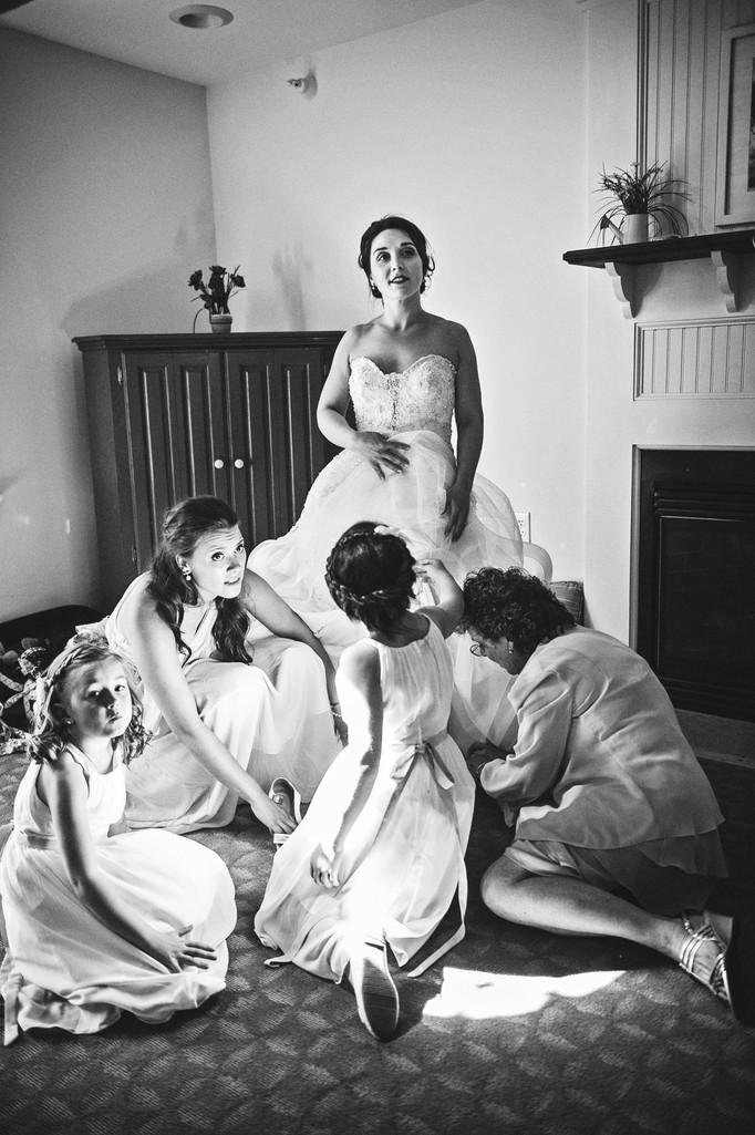 Peaks Island Inn Wedding Photographer  BRIDE GETTING READY