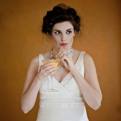 Flor de Cabrera Wedding Photographer  yellow drink