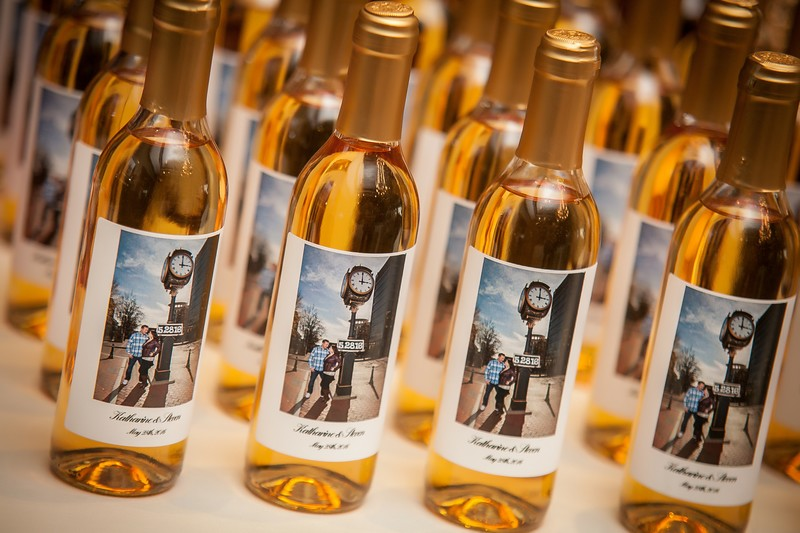 Personalized wine labels from cityscape winery