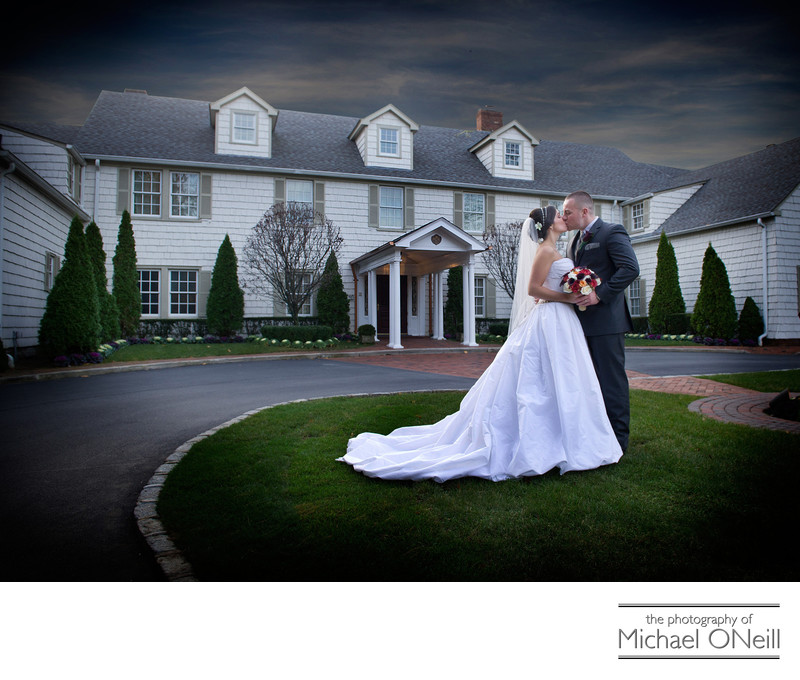 Royalton Mansion Wedding Pictures Outside