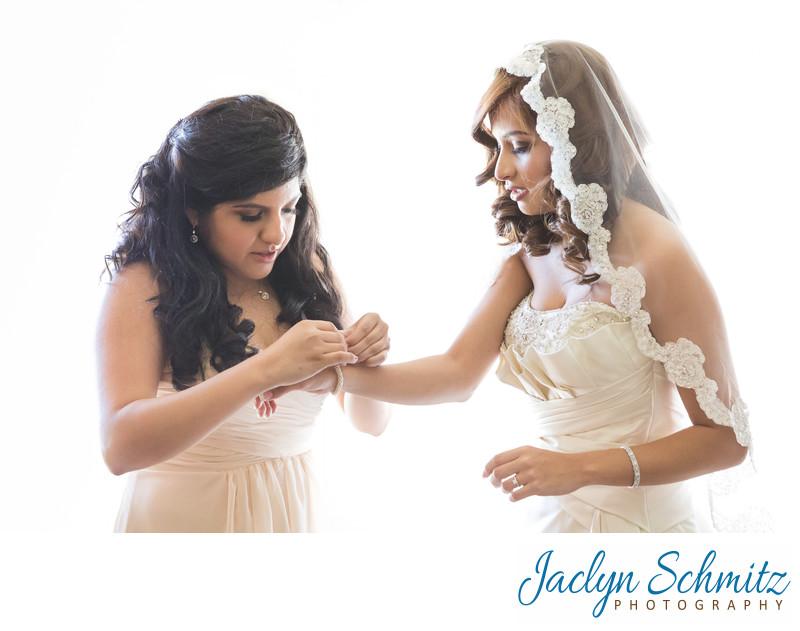 Bride wearing spanish veil getting ready