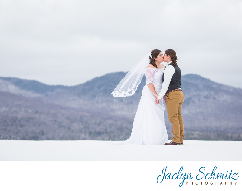 Winter wedding at Mountaintop Inn VT