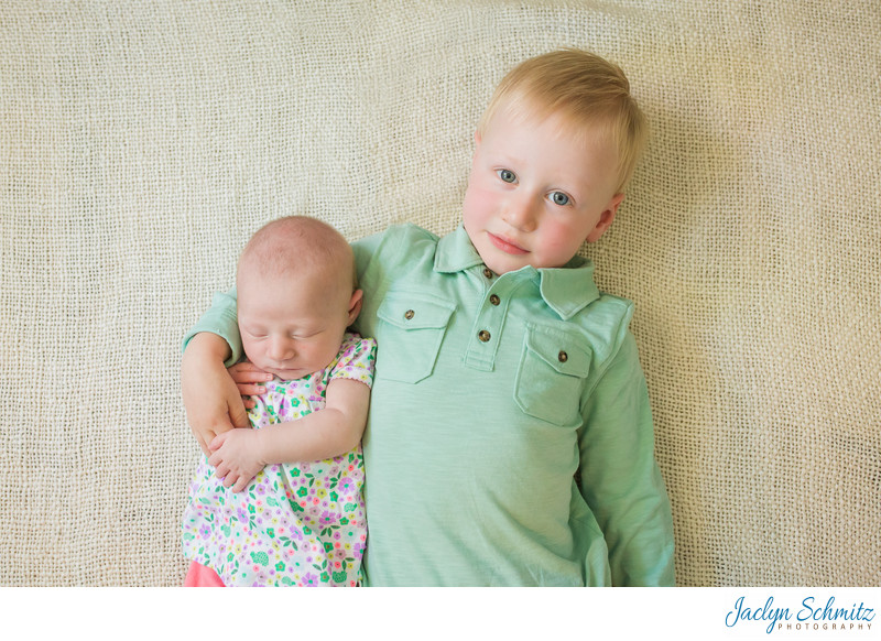 newborn sibling photos VT