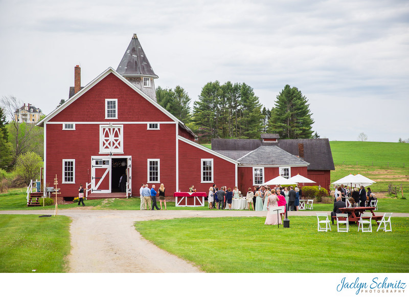 Inn at Mountainview Farm wedding barn