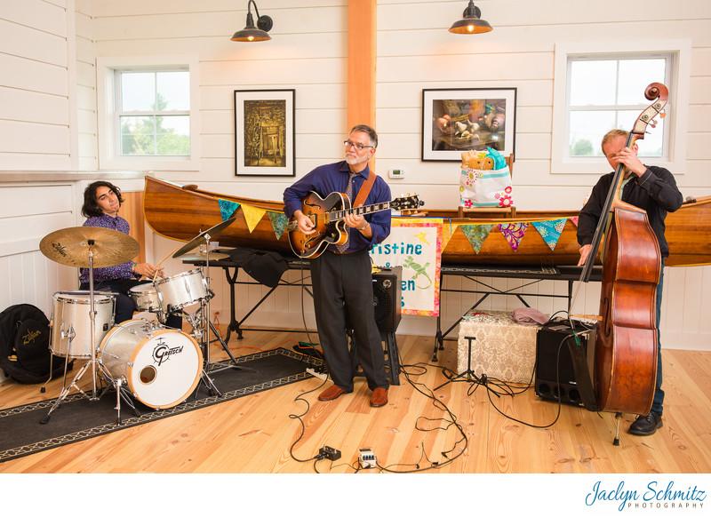 Live band at Smuggler's Notch Barn Wedding