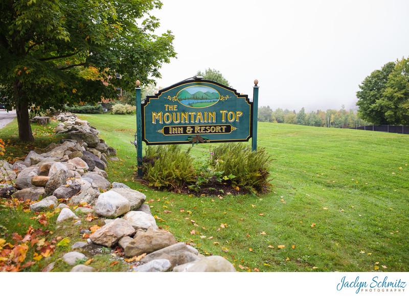 Front entrance sign Mountain Top Inn