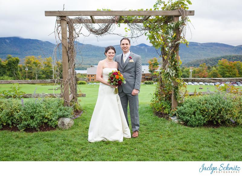 Grassy knoll wedding portraits