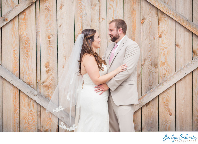 Barn door wedding photos VT