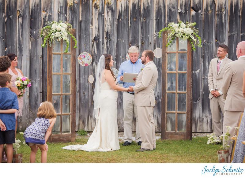 Outdoor wedding ceremony Franklin County Field Days