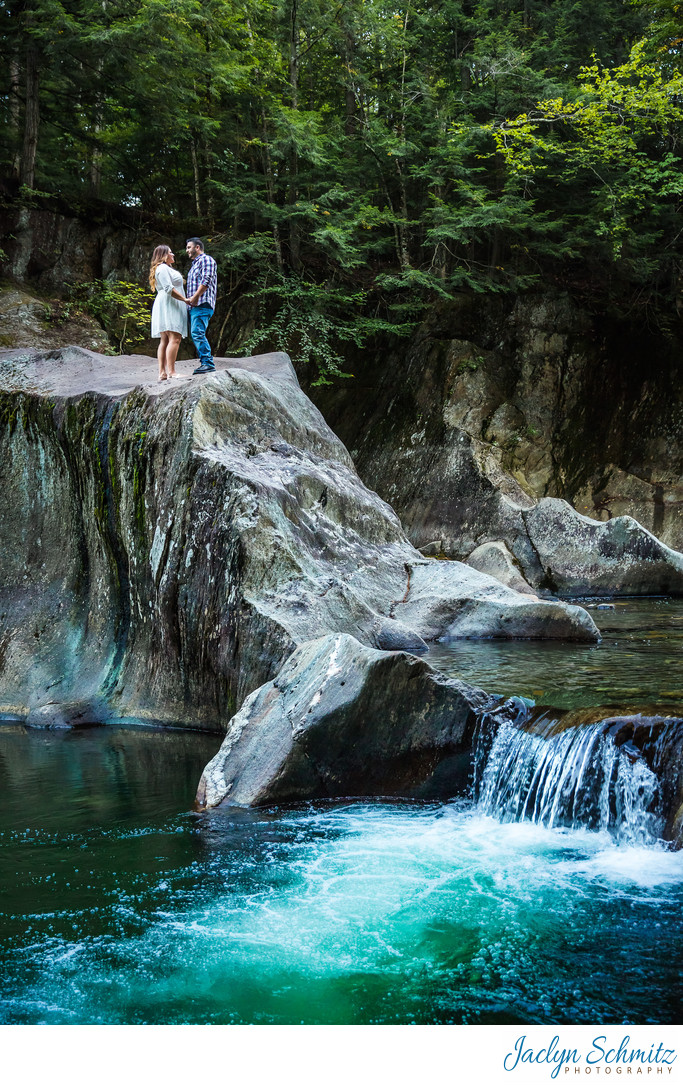 Best Outdoor Vermont Engagement Session Ideas