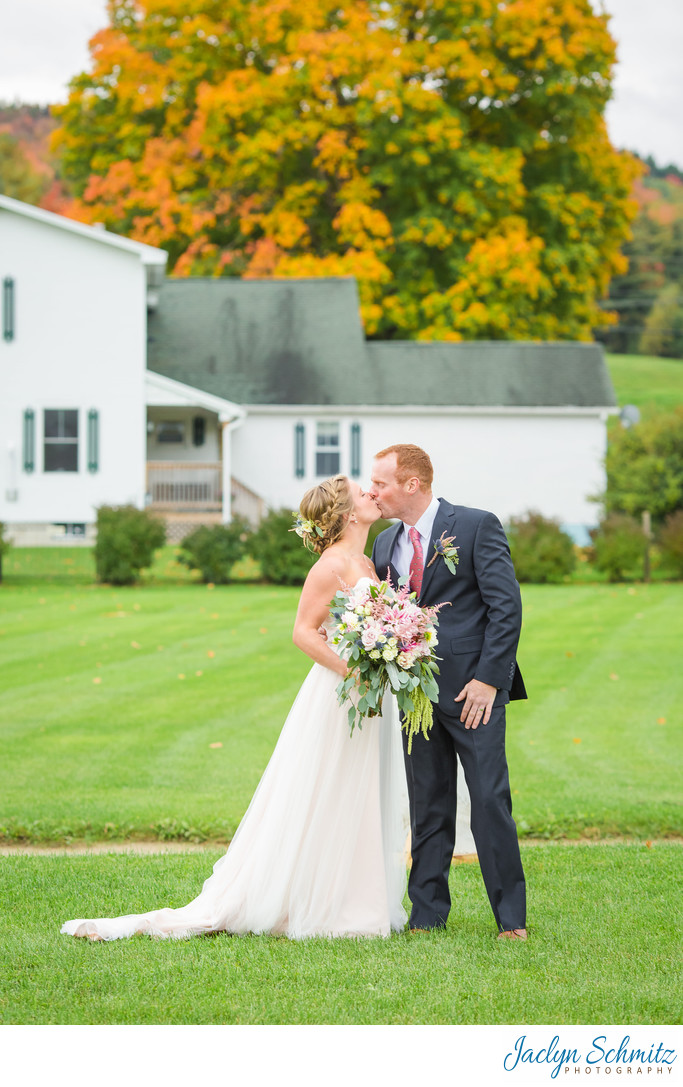 Classic Fall wedding photos VT