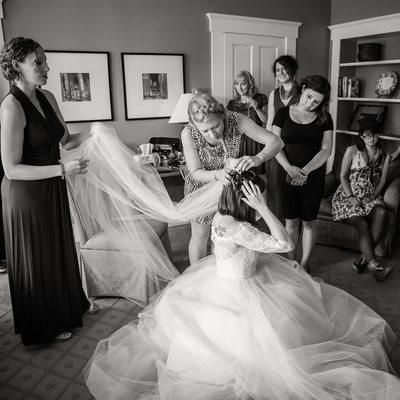 Getting Ready at Inn at Mountain View Farm wedding