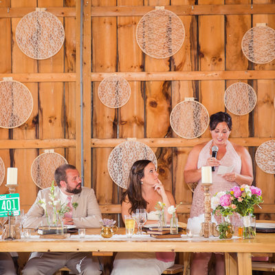 creative backdrop ideas for wedding toasts