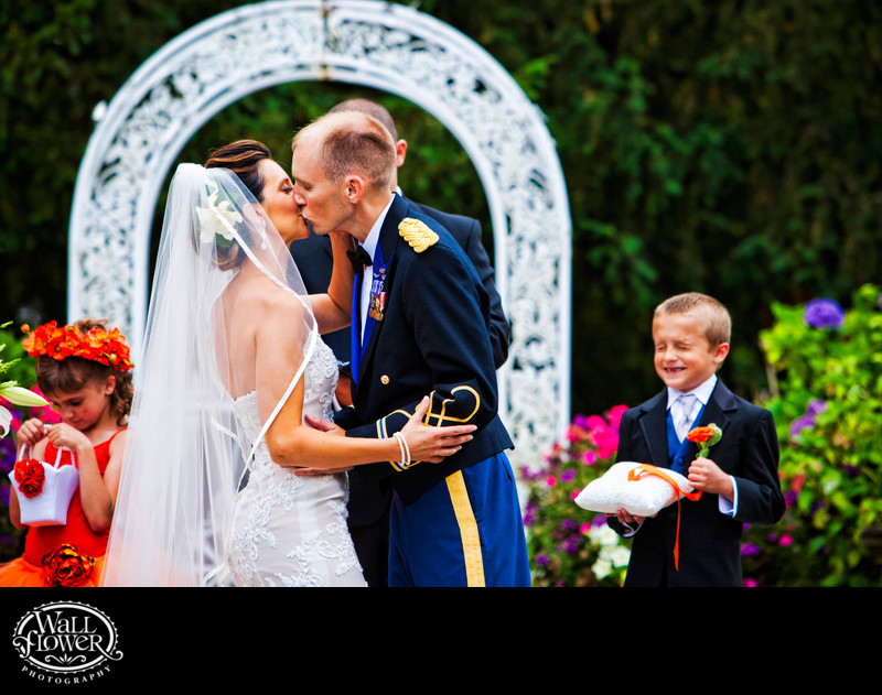 Ring bearer reacts in disgust to first kiss