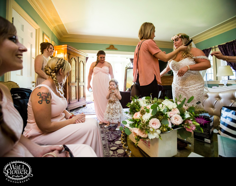 Bride and bridesmaids finish prep at Thornewood Castle